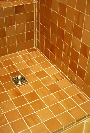 hydrofuge terre cuite contre l 39 eau d 39 une douche et salle bain avec les produits. Black Bedroom Furniture Sets. Home Design Ideas